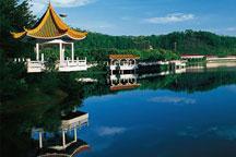 Yanming Lake Holiday Resort in Yanyang town