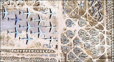 """""""谷歌地球""""有关美军""""飞机墓""""的卫星图片截屏. 图/东方ic"""