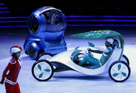 The concept car Yezi (leaf) made by Shanghai Automotive Industry Corporation (SAIC), is unveiled at the SAIC and GM pavilion of the 2010 Shanghai World Expo in Shanghai, east China, April 11, 2010. (Xinhua/Chen Fei)
