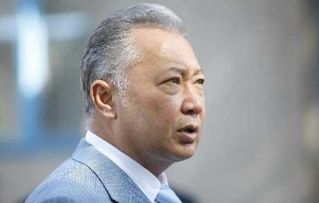 FilephototakenonJuly23,2009showsthenKyrgyzPresidentKurmanbekBakiyevspeakstothemediaatapollingstationinBishkek,Kyrgyzstan.(Xinhua/LuJinbo)