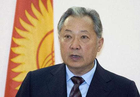Ousted Kyrgyzstan President Kurmanbek Bakiyev makes a statement in Minsk April 21, 2010. Bakiyev said on Wednesday he remained president of the Central Asian state and called on world leaders not to recognise the interim rulers who took over after an April 7 uprising. (Xinhua/Reuters Photo)