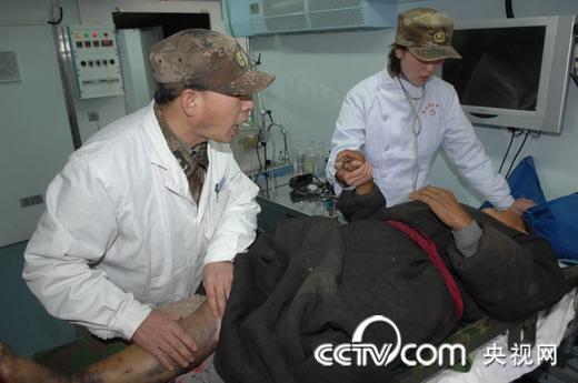 北京军区255野战方舱医院开始接诊情趣伤病员lofter灾区图片