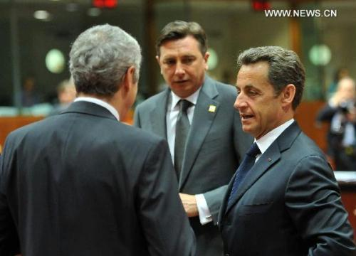 French President Nicolas Sarkozy (R), Slovenian Prime Minister Borut Pahor (C) and Portuguese Prime Minister Jose Socrates attend the European Union (EU) summit in Brussels June 17, 2010.(Xinhua/Wu Wei)