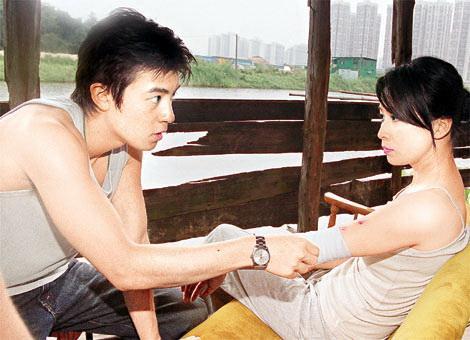 冠希色情_在影片《无间道2》中,陈冠希和刘嘉玲有过激情戏,而陈冠希的绯闻女友