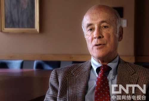 """美国哈佛大学肯尼迪学院教授,""""软实力""""重要概念的提出者,1977-1979年出任卡特政府助理国务卿,1994-1996年任美国助理国防部长"""