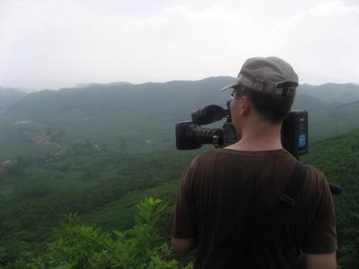 """摄影师王红军被这神秘的""""罗圈坑""""吸引"""