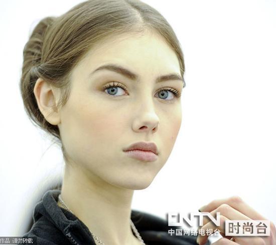 流行时尚发型模特摄影图