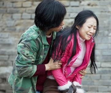 章子怡蔡国庆厮打在一起