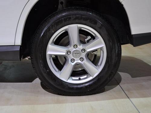 轮胎使用了玛吉斯的公路胎