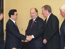 Le président chinois rencontre des représentants d´entreprises américains