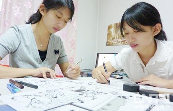 《馒头日记》作者柳露霏与柳霜霏