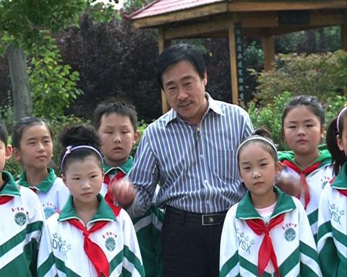 王安顺老师为同学们讲解音乐知识