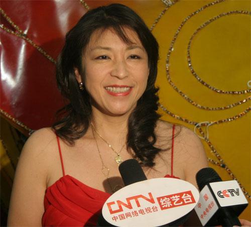 日本著名歌手小野丽莎