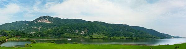"""梅岭——国家风景名胜区,梅岭素有""""小庐山""""的美誉,相传黄帝乐臣"""