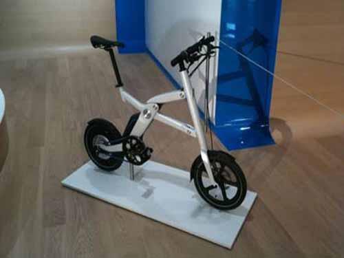 宝马发布i pedelec电动折叠概念自行车