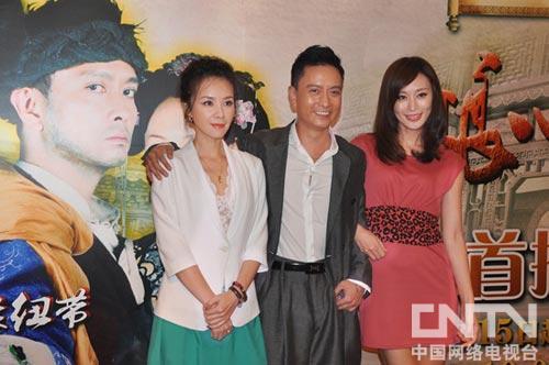 何琳(右)与谢君豪,杨雨婷