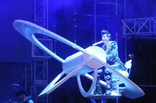 王力宏飞天钢琴弹奏《爱错》