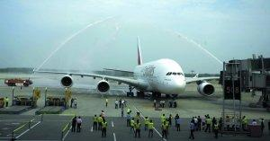 Beijing Capital International Airport held a traditional water salute ceremony for an A380 airliner of United Arab Emirates Airlines on August 1st.