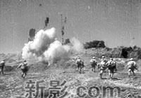 1949年,西北人民解放�西北人民解放��绦忻�主席、朱�司令的命令,先后解放了西安、�m州、西��、�y川等城市并向新疆挺�M。1949年12月解放了大西北,成立了西北�政委�T��,�I��西北人民投入新中��的���建�O中。