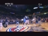 <a href=http://sports.cntv.cn/20130404/105076.shtml target=_blank>[NBA最前线]爆笑NBA:布泽尔挥铁拳 博尔特败走球场</a>