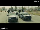 《边境杀手》首曝预告片 艾米莉·布朗特变身FBI探员 00:01:02