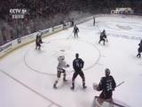 [NHL]小鸭队外围大力轰门 佩里失误送乌龙