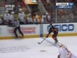[NHL]里奇左路突破打近角破门 小鸭队比分反超