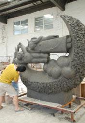 韩国艺术家崔召东泥塑创作作品《童心》