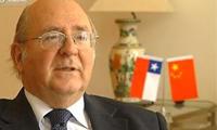 Luis Schmidt Montes<br>Ambassadeur du Chili en Chine