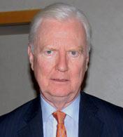 詹姆斯.莫里斯<br>1996年诺贝尔经济学奖得主