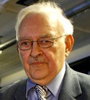 伊曼努尔•沃勒斯坦<br>耶鲁大学社会学教授