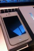 苹果iPhone4S发售 真机开箱组图抢先看