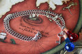 玩家自制暗黑周边钥匙链和耳环