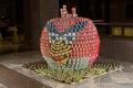 堆罐头高手用罐头堆砌立体《愤怒的小鸟》造型