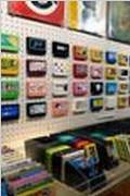 日本举办红白机游戏卡带艺术创意展览