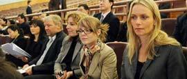 3月9日,十一届全国人大三次会议在北京人民大会堂举行第三次全体会议。正在北京进行访问的十几位丹麦议会教育委员会代表专程前来旁听会议。