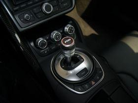 奥迪-奥迪R8中控方向盘图片