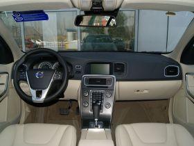 沃尔沃-沃尔沃S60中控方向盘图片