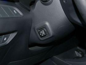 现代-雅尊中控方向盘图片
