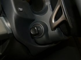 英菲尼迪-英菲尼迪G系中控方向盘图片