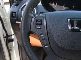 纳智捷-大7 SUV中控方向盘图片
