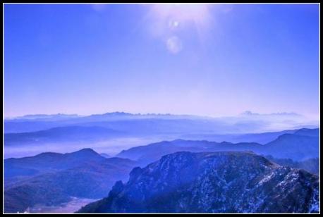 温泉美地云南石卡雪山