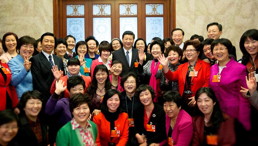 习近平等中央领导同志分别参加代表团审议