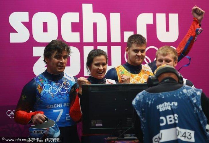 [高清组图]无舵雪橇接力赛德国夺冠 俄罗斯银牌
