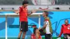 [高清组图]德国队备战半决赛 小猪跪地求教勒夫