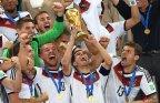 [高清组图]颁奖仪式:德国登顶 拉姆捧起大力神杯