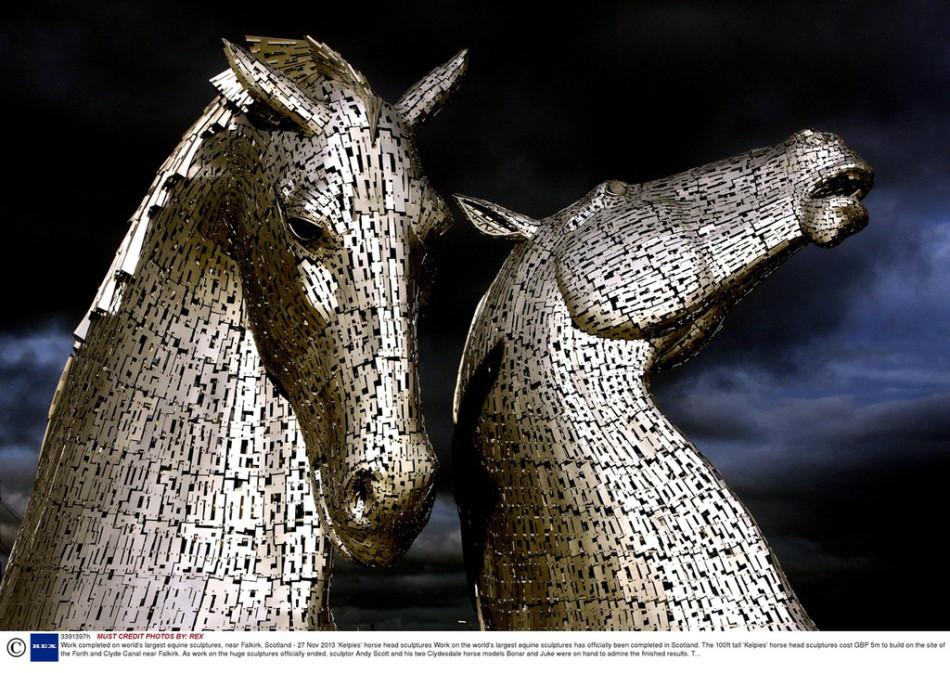 英国马头形建筑将完工