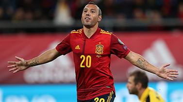 [圖]歐預賽-莫雷諾2傳1射卡索拉破門 西班牙7-0勝