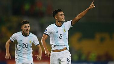 [图]南美奥预赛首轮 阿根廷主场3-2力克乌拉圭