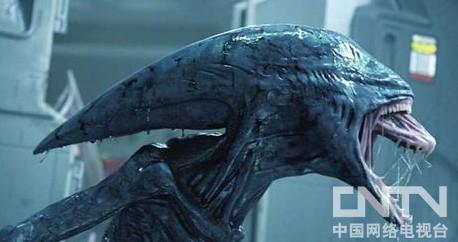 """为了展示""""普罗米修斯号""""以及外星飞船那宏伟的场景,本片的场景采用"""